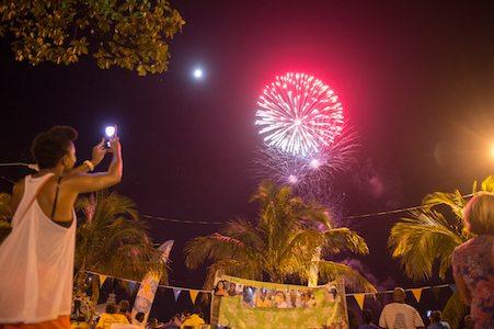 bahamas fireworks nightlife