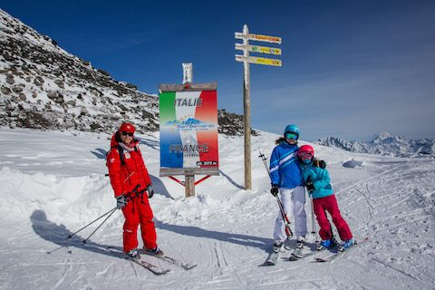 france italy ski resort border