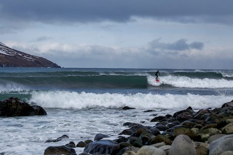iceland surfing waves