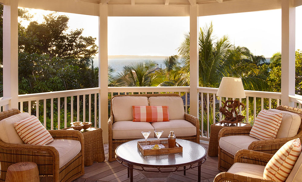 Beautiful Outdoor Porch Sitting Area - Bahama House Eleven Experience