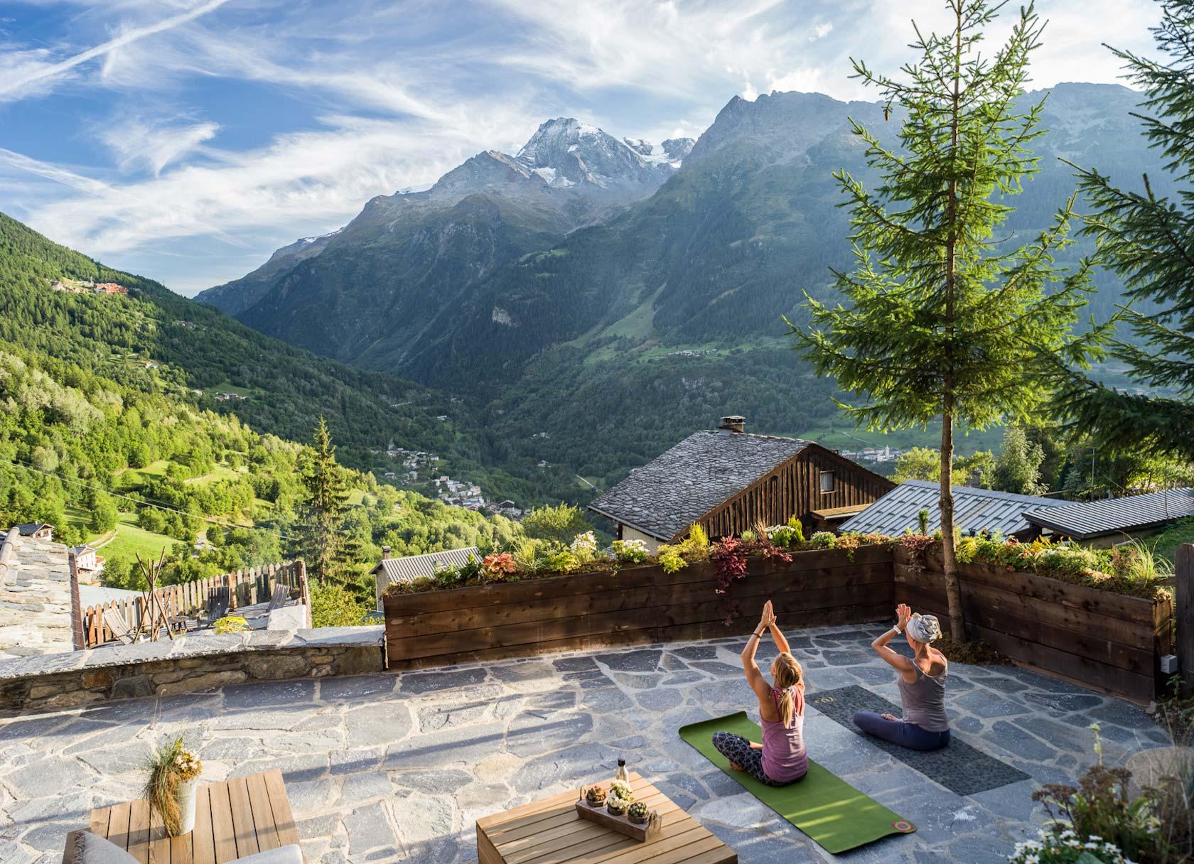 Chalet Pelerin outdoor yoga