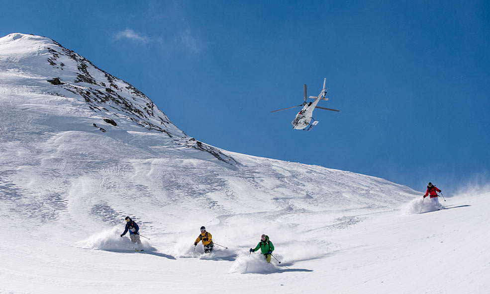 Group Heli Skiing in French and Italian Alps Near Chalet Hibou