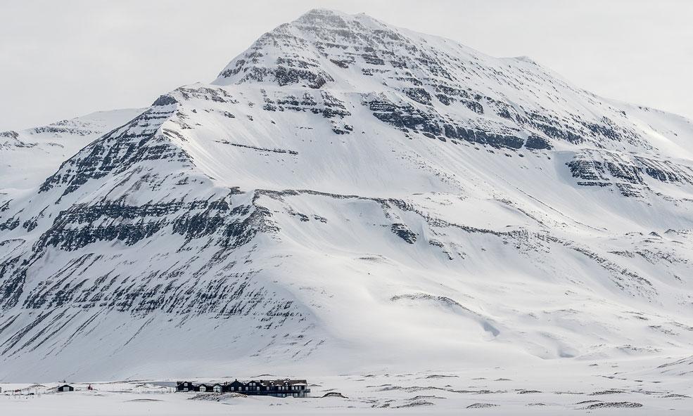 Deplar Farm iceland heli skiing