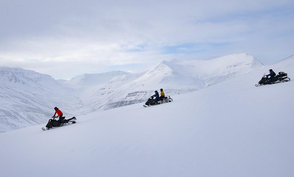 iceland snomobiling