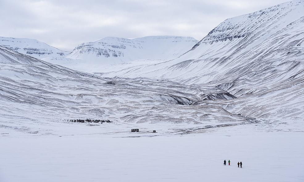 eleven iceland deplar farm view