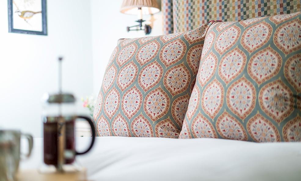 bedroom pillow design