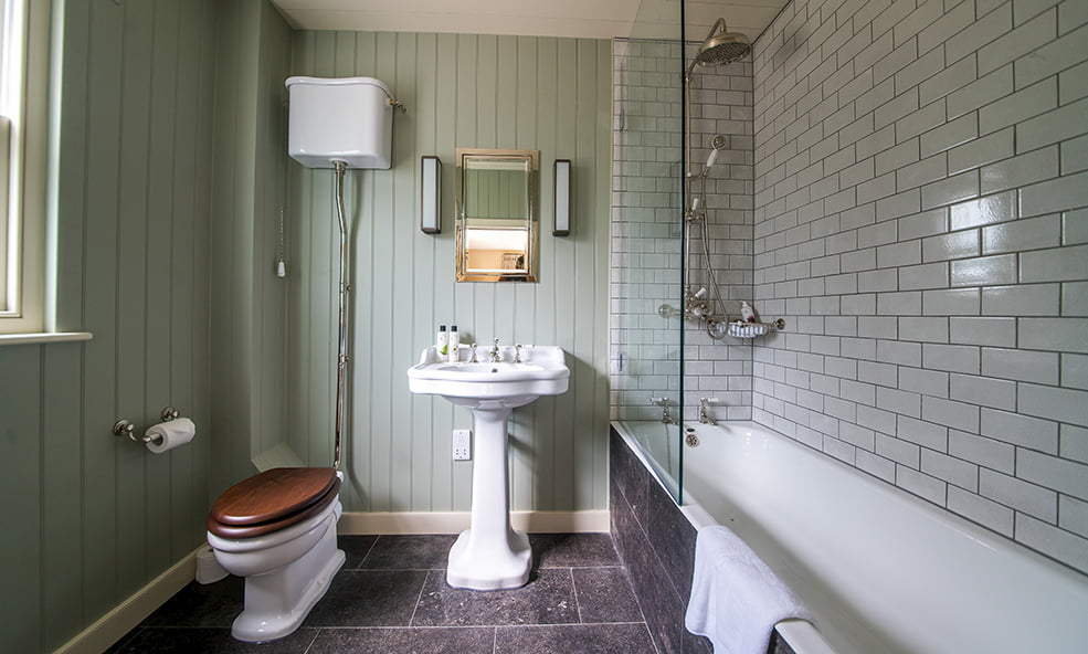 hillside cottage & spa bathroom