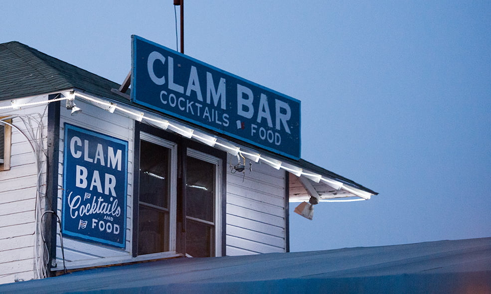 Clam bar cocktails & food
