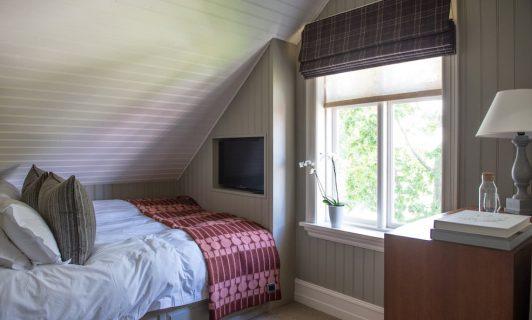 bedroom purple house